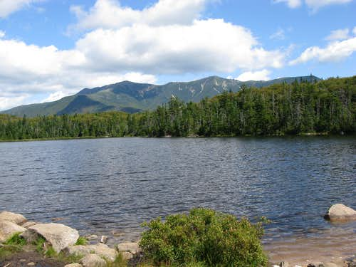 Lonesome Lake with Franconia Ridge