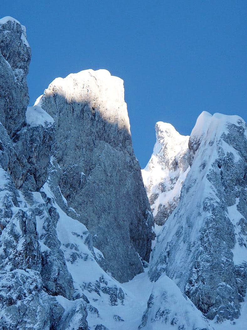 Right border of the couloir