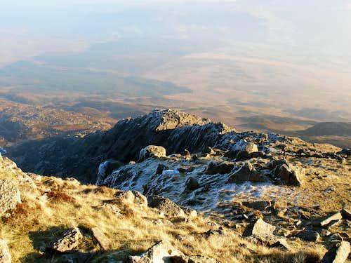 Daear Ddu Ridge
