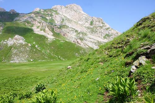 Green slopes of Panair