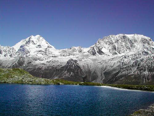 Grand Combin <i>4314 m</i>  and Mont Velan <i>3734m</i>