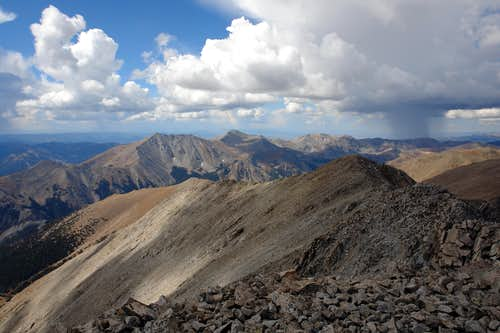 Looking SW from Tabeguache\'s summit