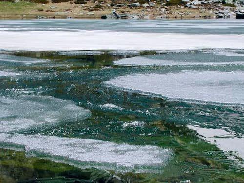 disgelo al lago d'Arpy mt. 2066