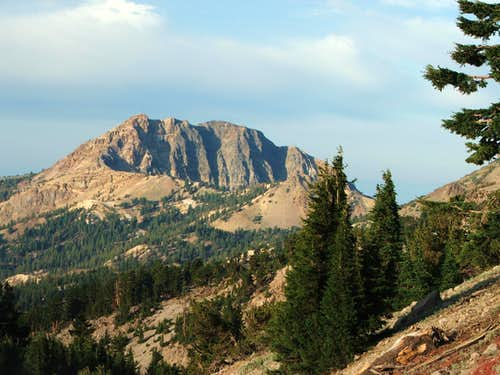 Brokeoff Mtn from Lassen Peak Trail