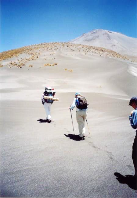 Ascent to camp at 4800 m...