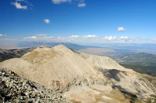 Huerfano Peak, view from Lindsey\'s summit