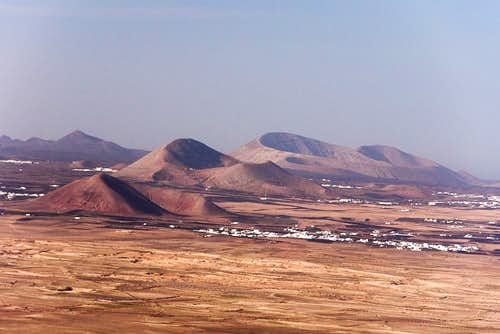 Montana Timbaiba, (339m), Montana Tinache (542m), Caldera Blanca (458m)