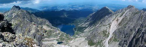 From Orla Perć, looking down to the lake Czarny Staw Gąsienicowy