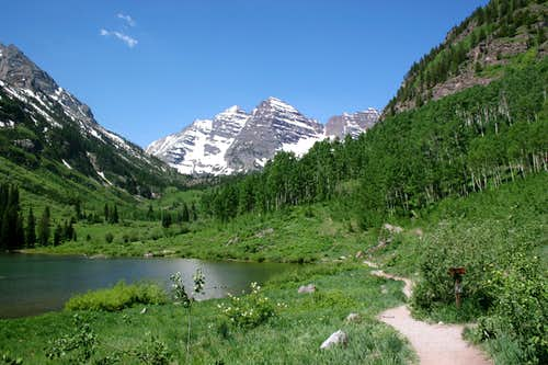 Maroon Lake - Trailside