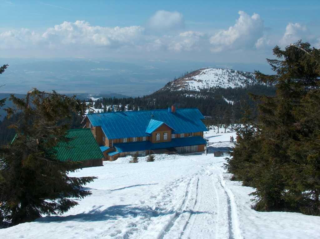 Schronisko na Śnieżniku, refuge on the way to Śnieżnik