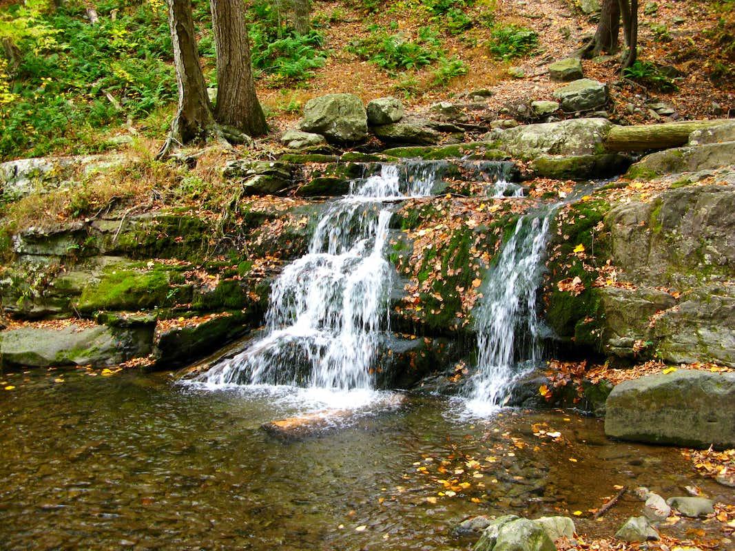 A Mini Waterfall In The Delaware Water Gap Photos Diagrams Topos Summitpost