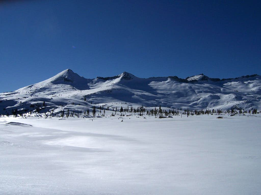 Pyramid Peak and the southern part of the Crystal Range