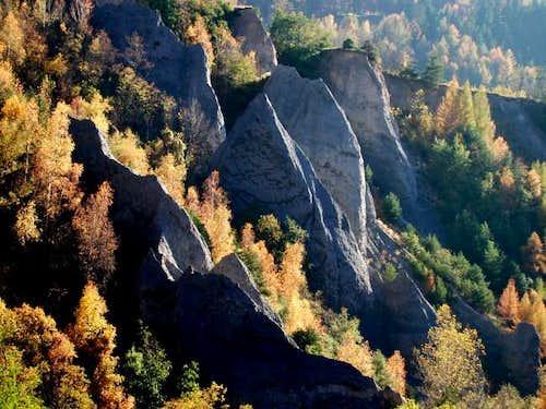 Earth PYRAMIDS & CALANQUES in Aosta Valley (Saint Nicolas) / 1