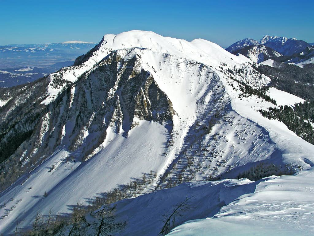 A typical Karavanke summit