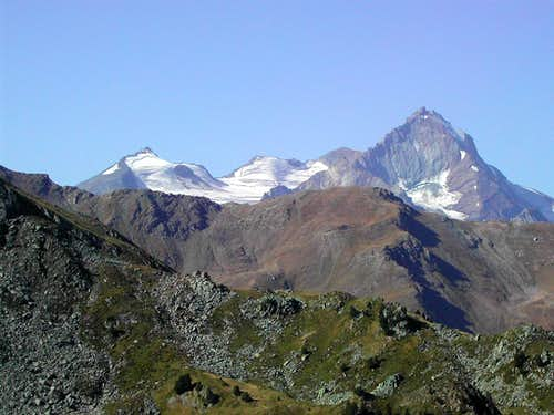 La Grivola subgroup in the background of the ridge including Piatta di Grevon <i>2756m</i>