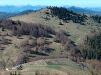 Pastoral landscapes on the meadows north from Ploská. <a href= http://www.summitpost.org/area/range/258930/mal-fatra.html >Malá Fatra</a> in the distance.