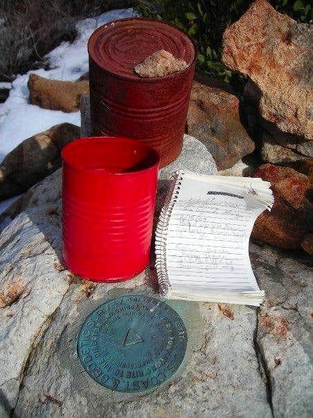 Agua Tibia - summit register