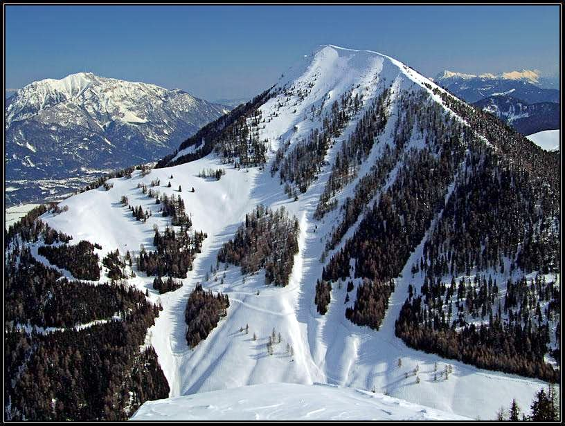 Ojstrnik from the summit of Starhand