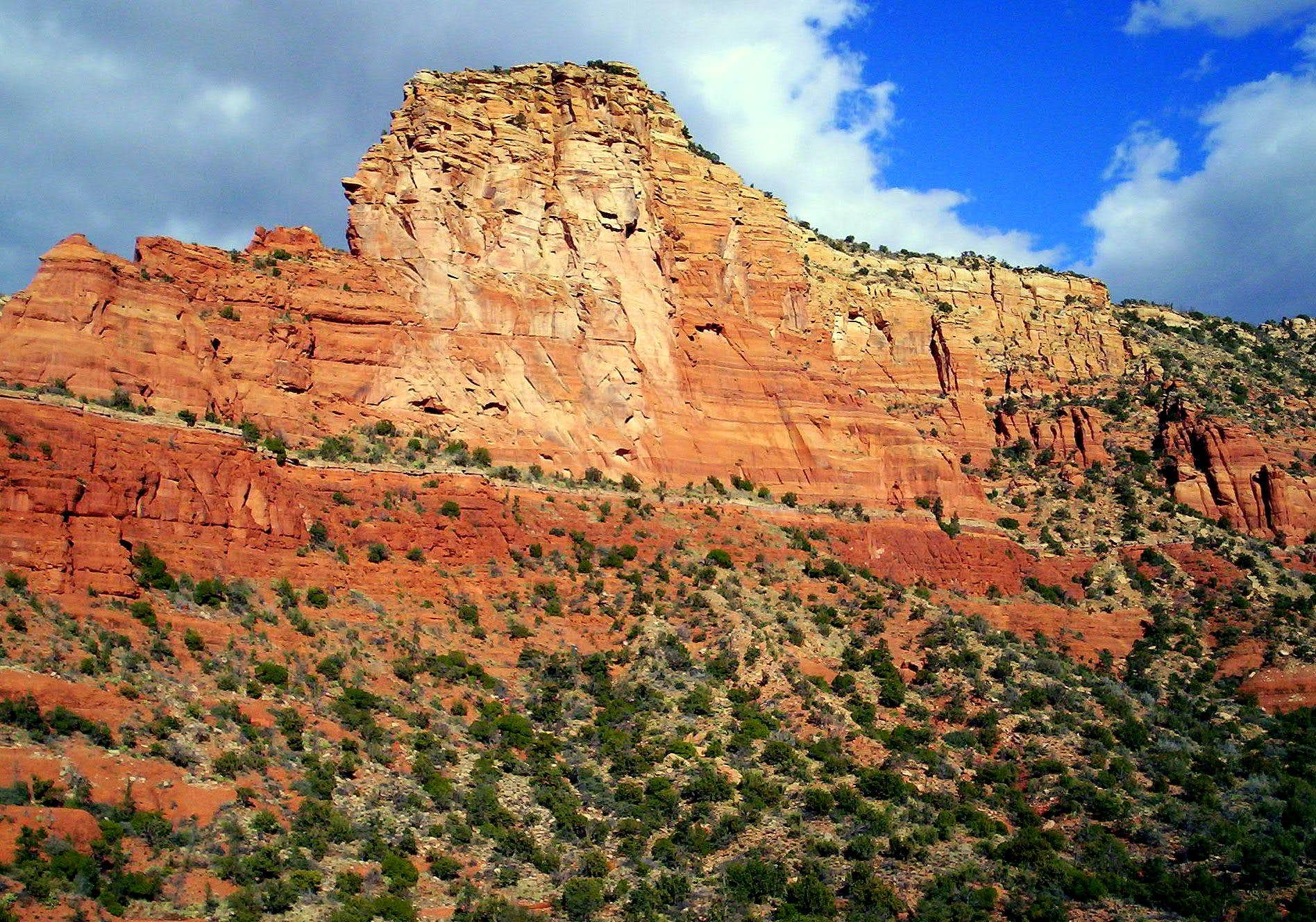 "Arizona\'s Amazing ""Iron Oxide"" Curtain"