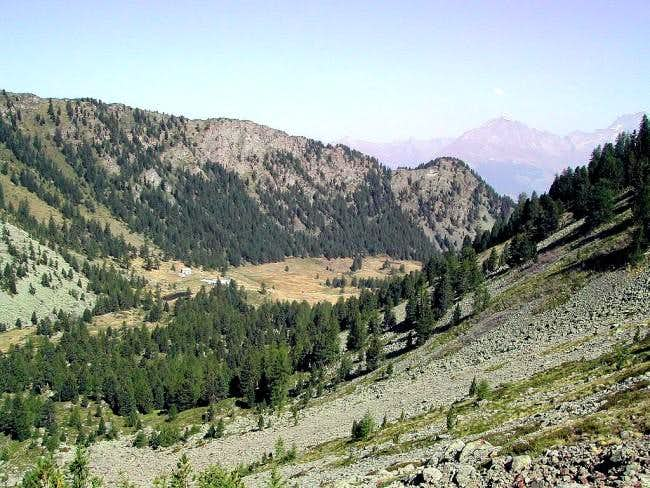 Vallone di Comboè and the ridge ending with Punta di Ponteilles