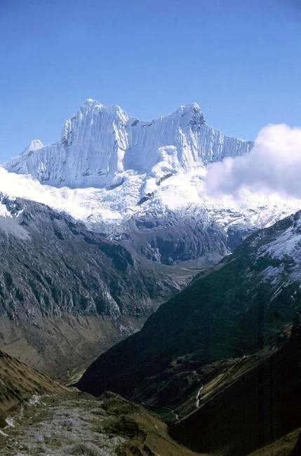 West Chacraraju (6.112m) and...