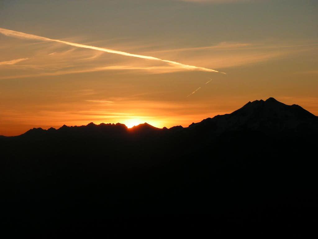 Sunrise from Three Fingers