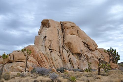 Gathering clouds on Intersection Rock