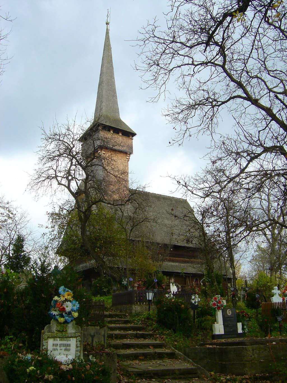 Wooden church in Desesti