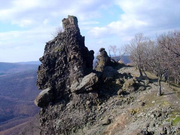 The first exposed towers of Vadálló-kövek