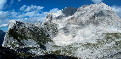 The Kanjavec peak from the pass Prehodavci