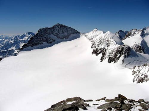 The east side of Piz Zupò seen from Piz Palù.