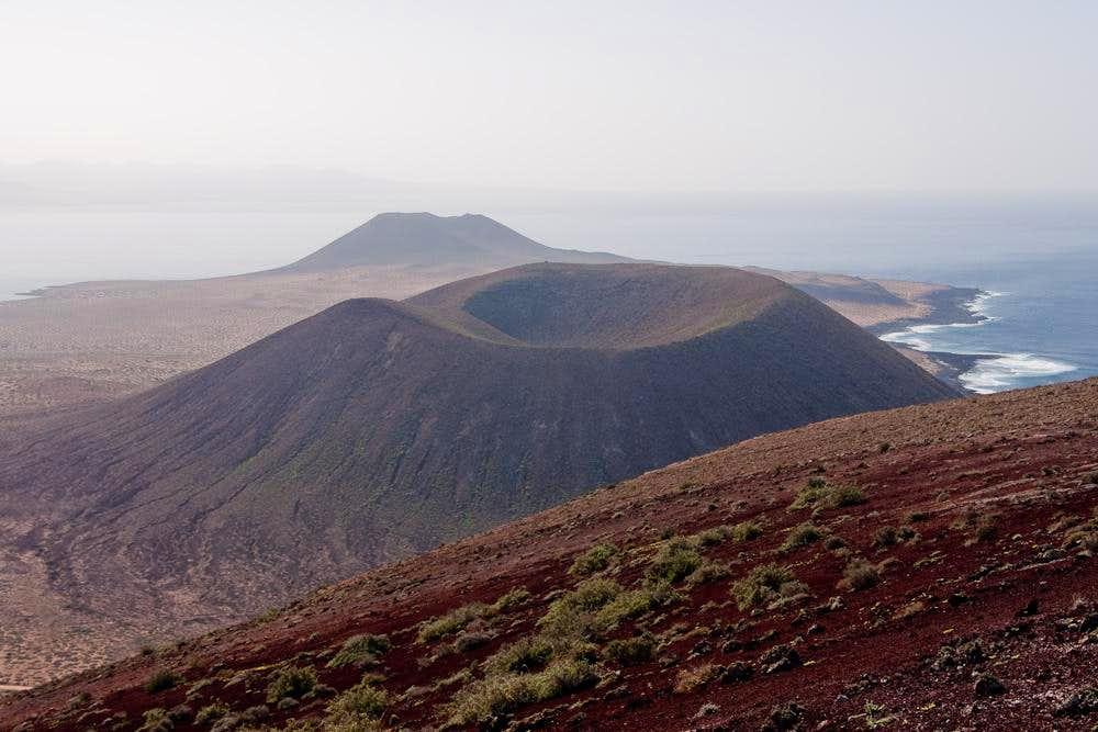 Montaña del Mojon and Montaña Amarilla