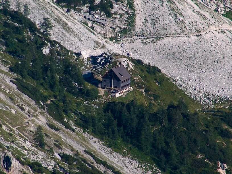 Going down the Triglav ridge, zoom to Dom Vodnikov