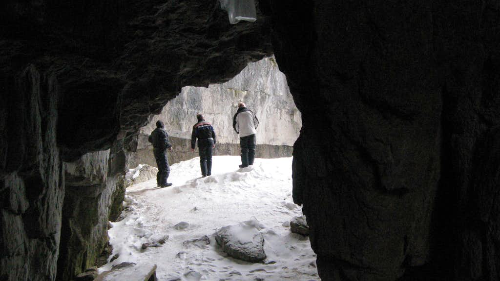 Paris Ice Cave Photos Diagrams Amp Topos Summitpost
