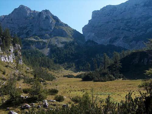 Velska Dolina valley, looking East