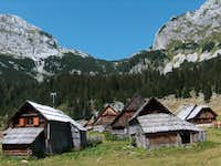 Beautiful tradionnal wooden huts in Planina v Lazu