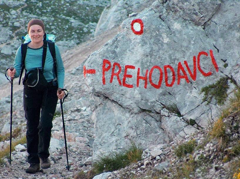 Walking from Pass Prehodavci to Hribarice