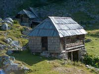 Wooden hut in the Velska Dolina valley