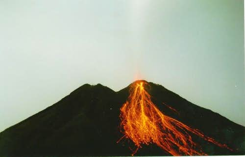 Exploding Arenal during 2004...