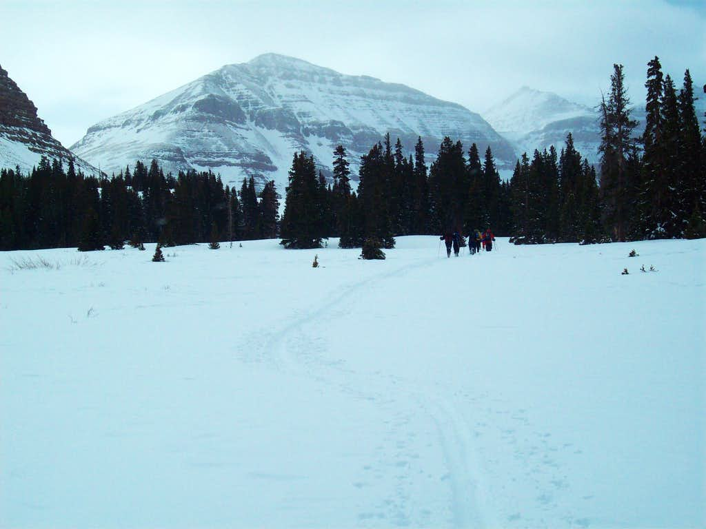Gunsight Pass (left) and King's Peak above the notch at Anderson Pass (right)