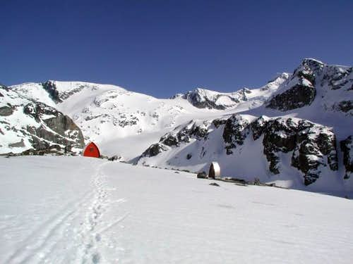 Wedgemont Lake hut and outhouse