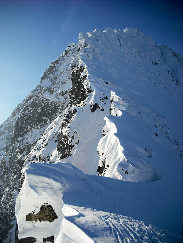 Ridge of Ciezki stit seen from Vaha Pass