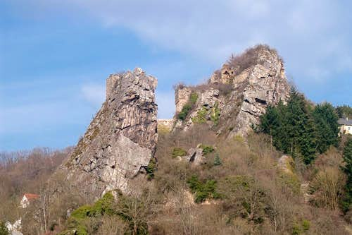 Schwarze Wand and Stein Castle