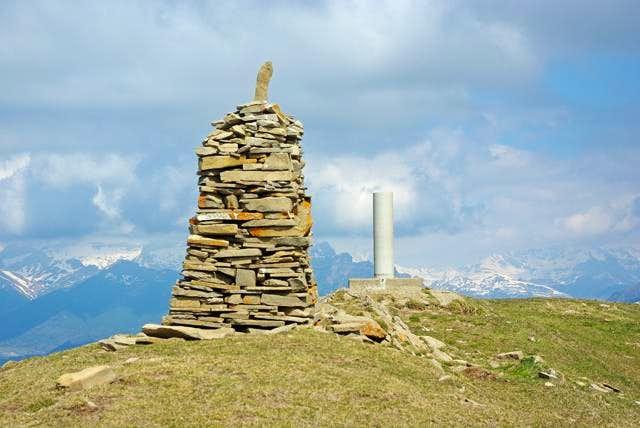 Oturia's summit