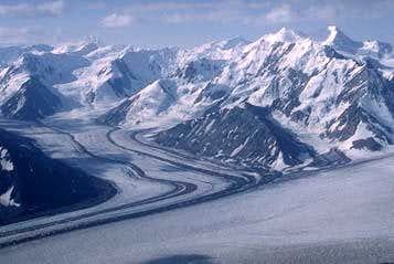 The rugged beauty of Kluane's...