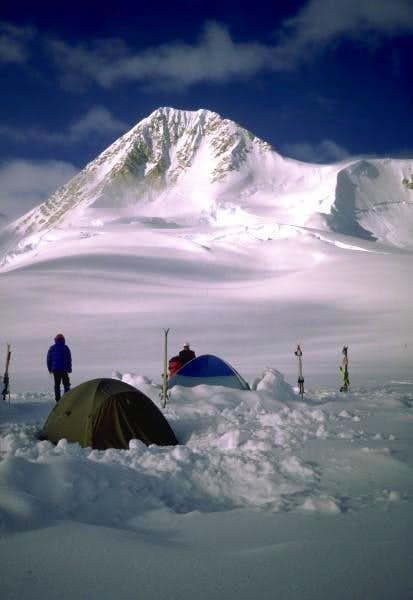 Camping beneath W. Slaggard II.