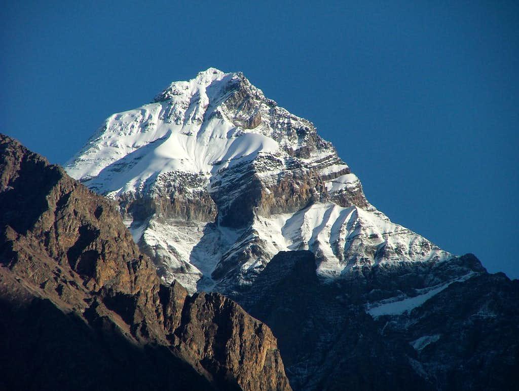 Lapuchung (5960m)