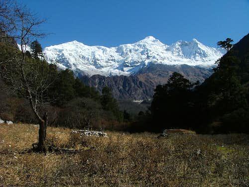 Manaslu Kampungge Himal (6416m)