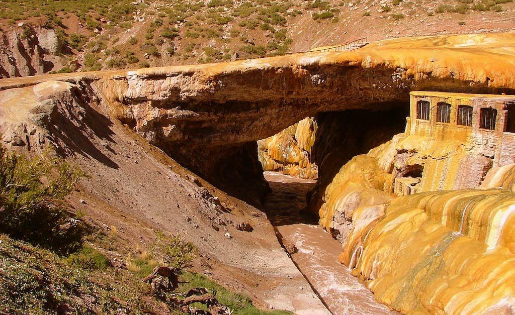 Puente del Inca Natural Monument.