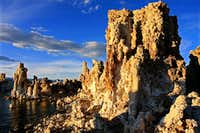 Sidelight-Mono Lake